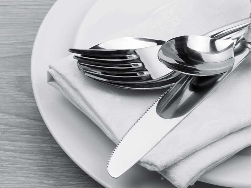 cubiertos-de-acero-inoxidable-para-mesa